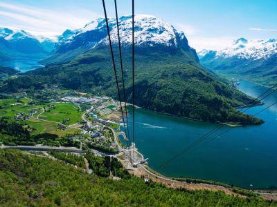 Loen Skylift, Via Ferrata Loen og en tur til Skåla-fjellet