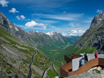 Trollstigen: Spektakulær fjellvei med flotte utsikter