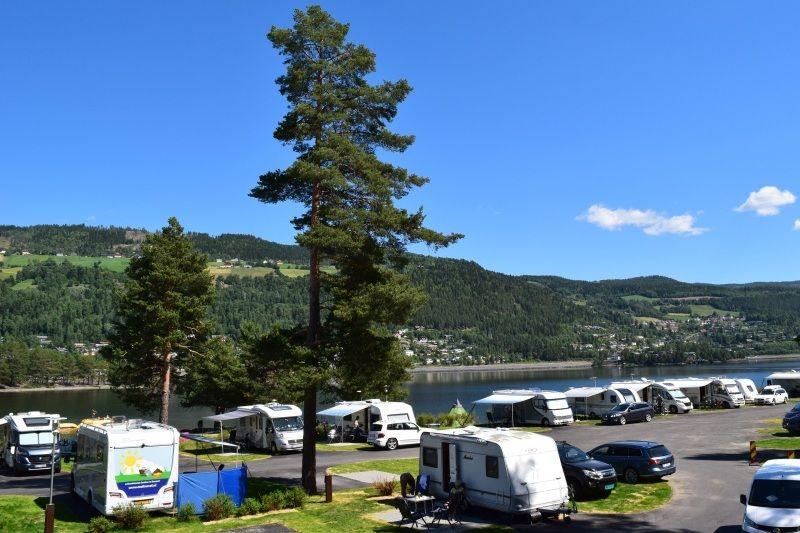 Fagernes Camping kampeerplaatsen