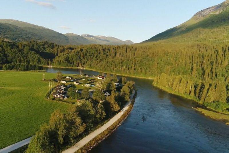 Korgen Camping ligging aan rivier