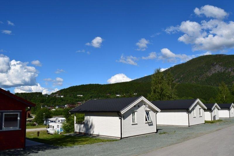 Langnes Camping Grond keukentje, hytter en uitzicht