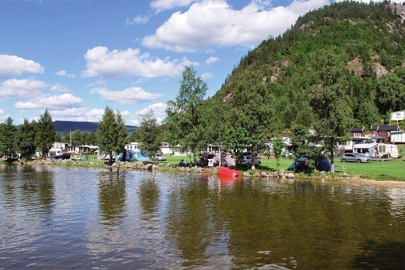 Neset Camping Kampeerplaatsen aan het water