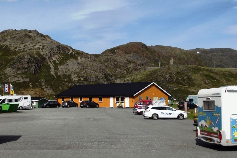 Verharde kampeerplaatsen op Nordkapp Camping