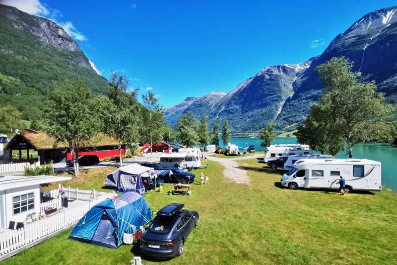 Oldevatn Camping kamperen aan het meer