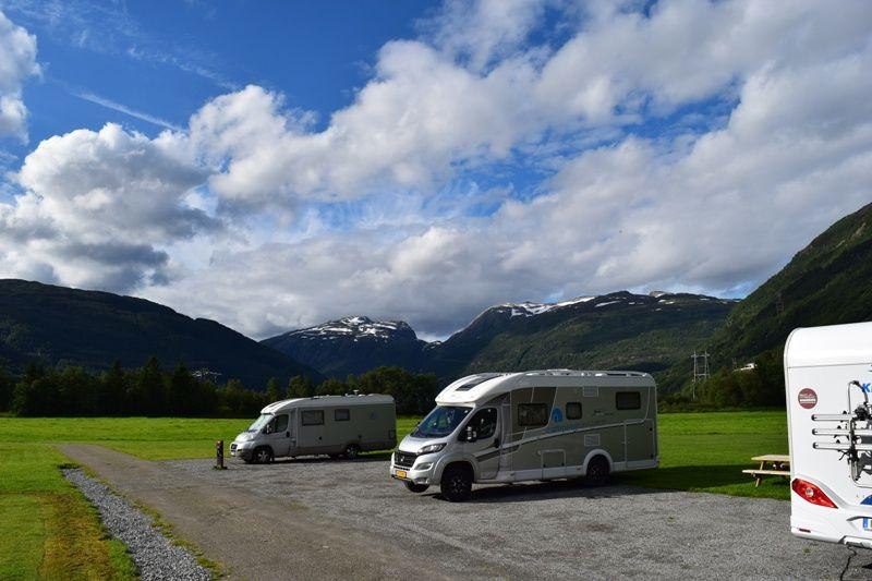 Seim Camping Roldal verharde plaatsen