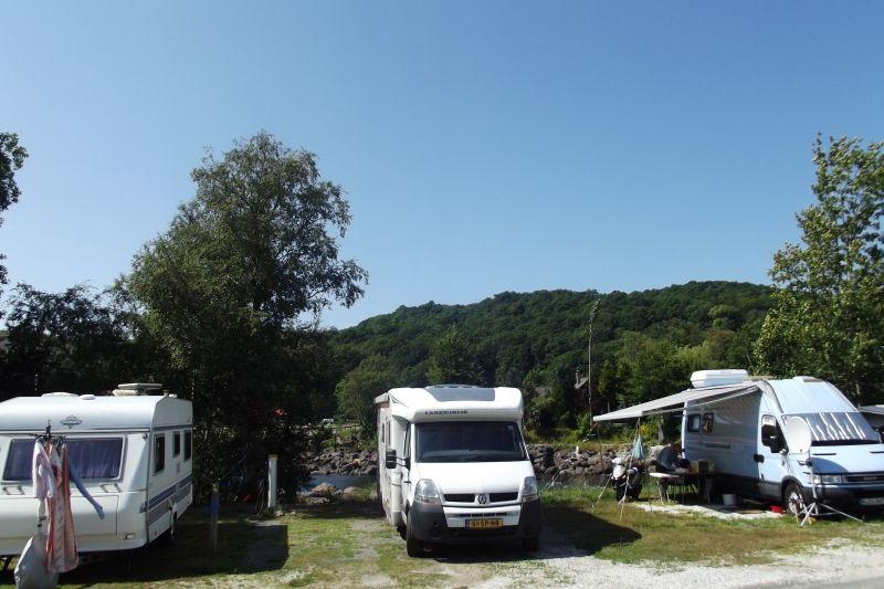 Steinsnes Camping Kampeerplaats aan de rivier