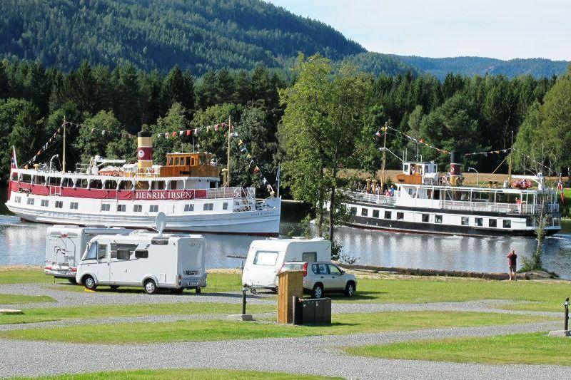 Telemark Kanalcamping kampeerplaatsen aan het kanaal