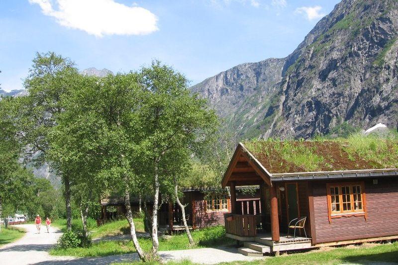 Trollveggen Camping Hytter